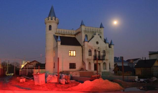Шикарные дома «поле чудес»