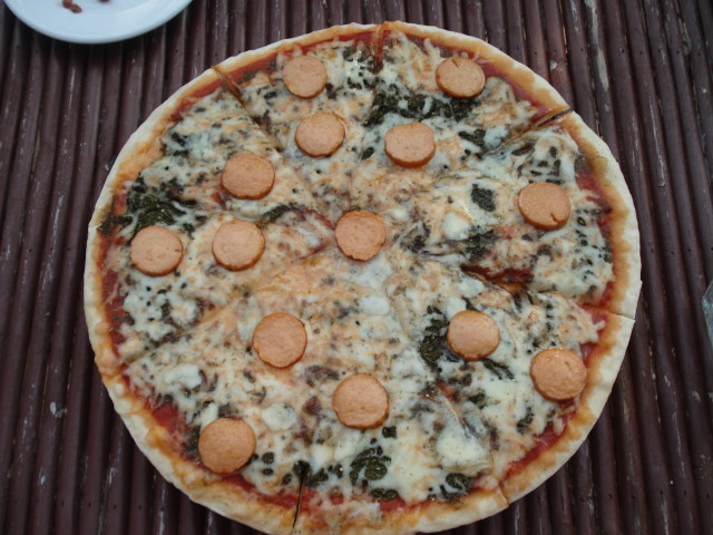 Happy Sihanouk Ville Pizza 7$