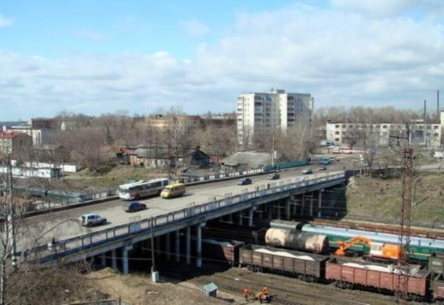Эстакада над железной дорогой