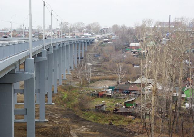 Эстакада Кирова - Педуниверситет. Под эстакадой - первозданный Новосибирск
