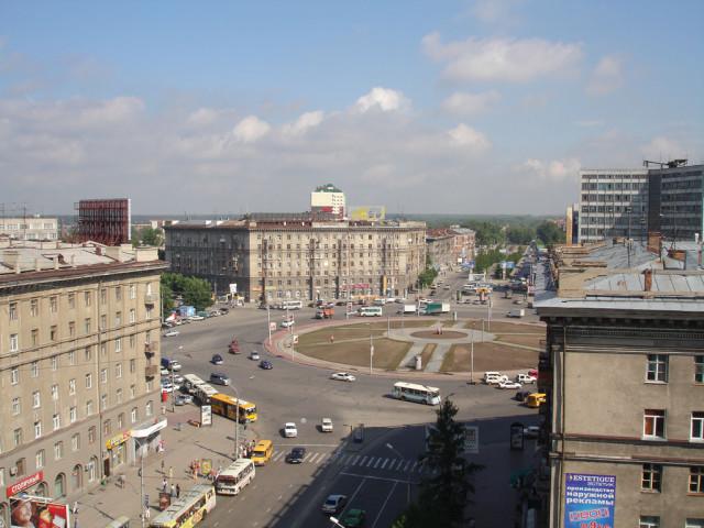 Площадь Калинина. Сто лет назад здесь был густой лес