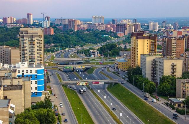 Улица Ипподромская, выезд на Каменскую магистраль