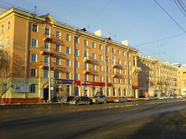 Проспект Дзержинского. В отличие от ул. Кирова, действительно в Дзержинском районе