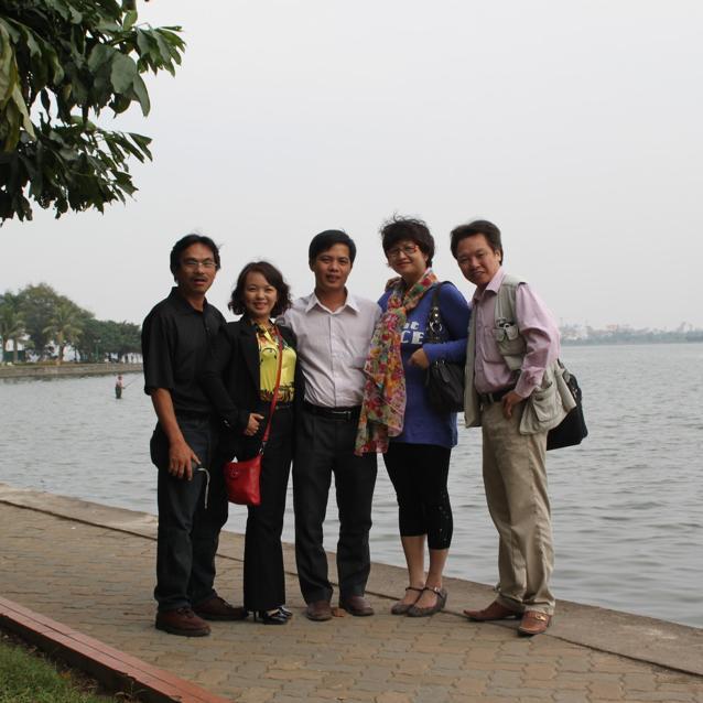 С друзьями на берегу Южно-китайского моря (во Вьетнаме его называют Юго-восточным)