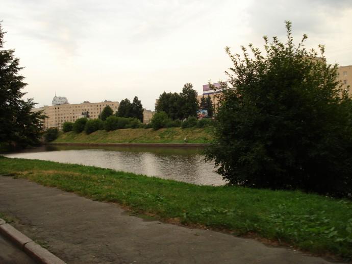 Тихое место в старом районе Питера