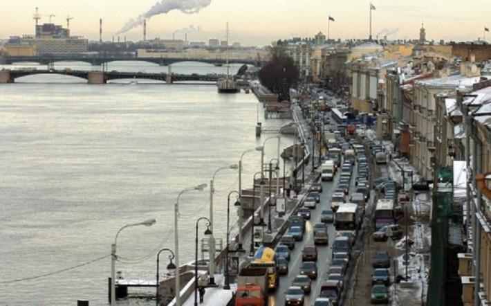 Пробки на набережных — возможность подумать о вечном и полюбоваться архитектурой города