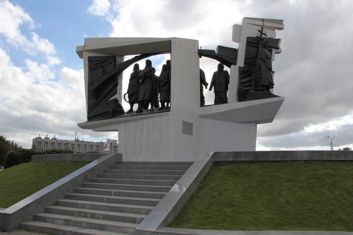 Мемориал труженикам тыла на Лизы Чайкиной