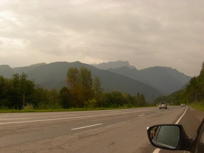 Трасса «Транскам», соединяет Осетию северную с Осетией южной. Качество 4-полоски на лицо