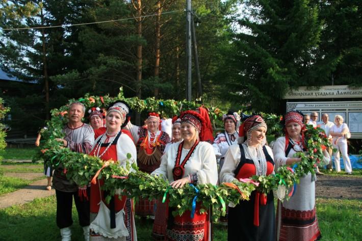 «Сибирская усадьба Лампасаково» — культурно-туристический комплекс, где проводятся народные гуляния и праздники