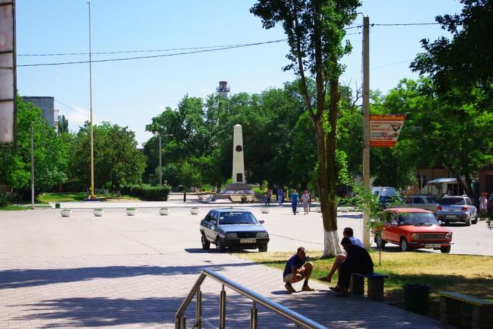 Площадь Героев в Новофедоровке
