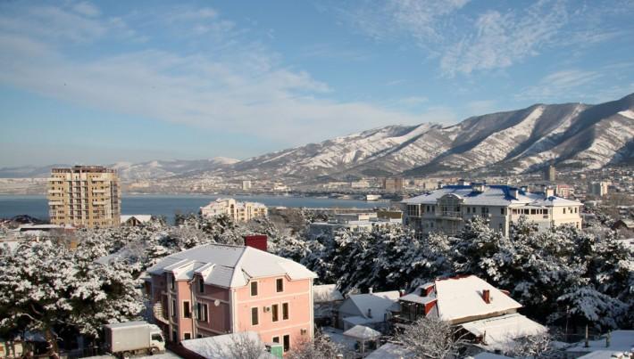 Геленджик зимой. Идеальный пейзаж: горы, море, снег