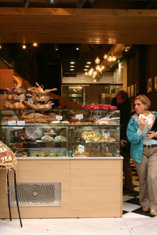 Выпечка и разнообразные сладости как самый популярный «перекусон»