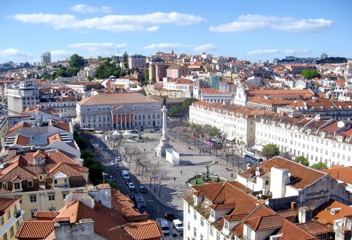 Лиссабон. Вид на площадь Россио