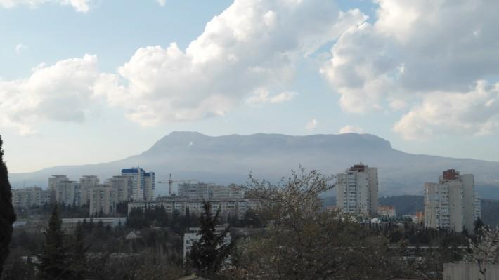Вид на гору Чатырдаг