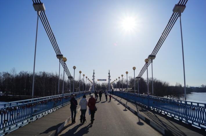 Мост на остров Дамнский в городской парк
