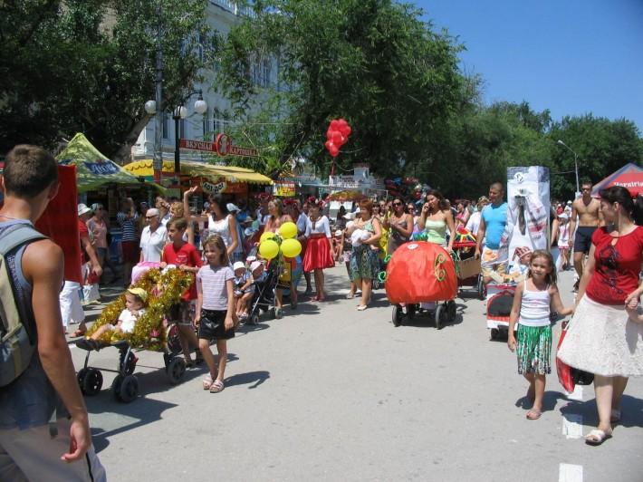 Парад колясок на День города