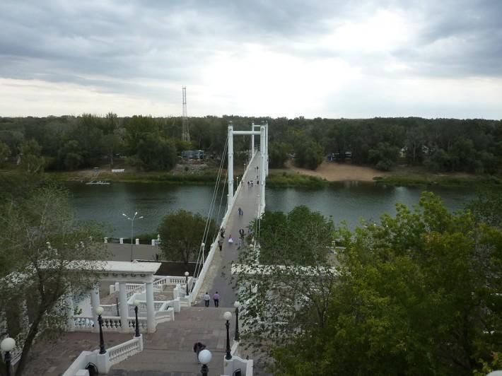 Мост в Оренбурге. Соединяет Европу и Азию