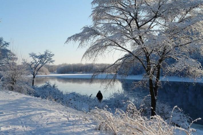 «Природная благодать»- снежное покрывало на городе в разгаре весны