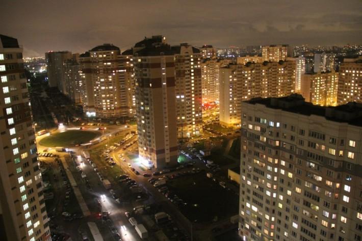 Вечерний вид на микрорайон «Красная Горка», 2013 год