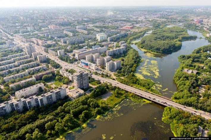 Ленинградский мост — соединяет Урал и Сибирь