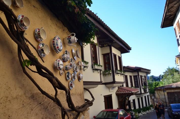 Старый город – оригинальное оформление стены дома
