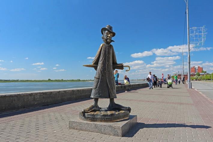 Памятник Чехову, г. Томск