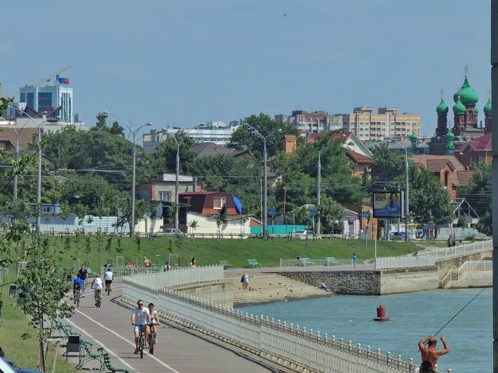 У Тургеневского моста