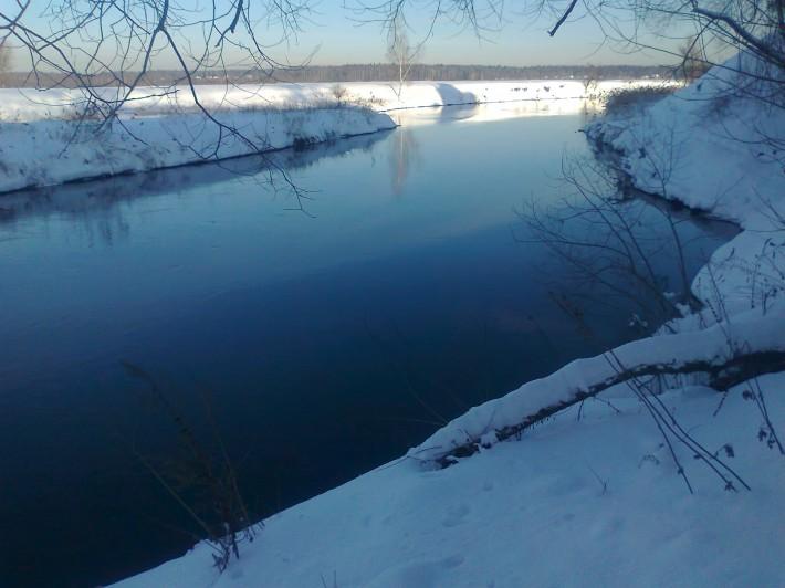 Река Клязьма не замерзает и зимой