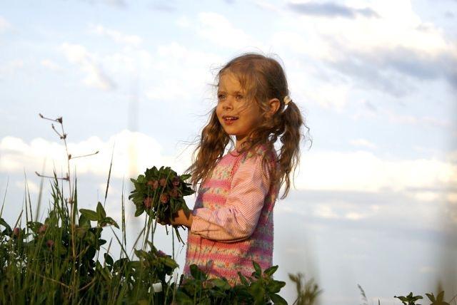Дочка под приветливым краснодарским небом