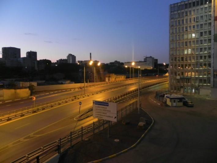 Раннее утро, у автовокзала