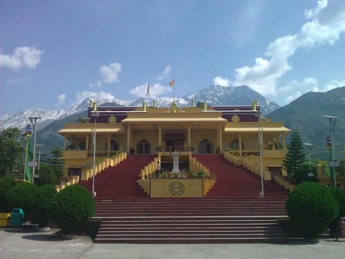 Тантрический монастырь Гьюто, резиденция Его Святейшества Кармапы 17