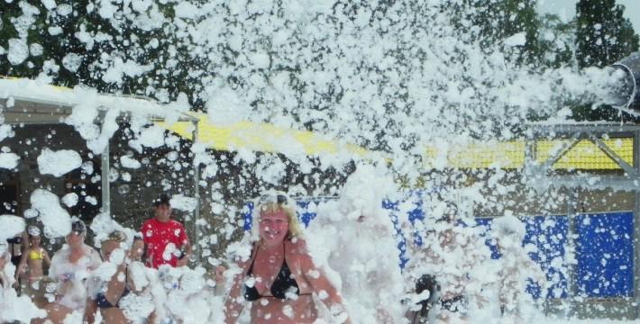 Пенная вечеринка на Елисеевском пляже
