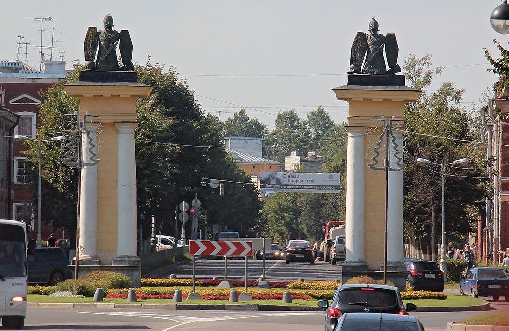 Подбор памятников Гатчина памятник с крестом Лихославль