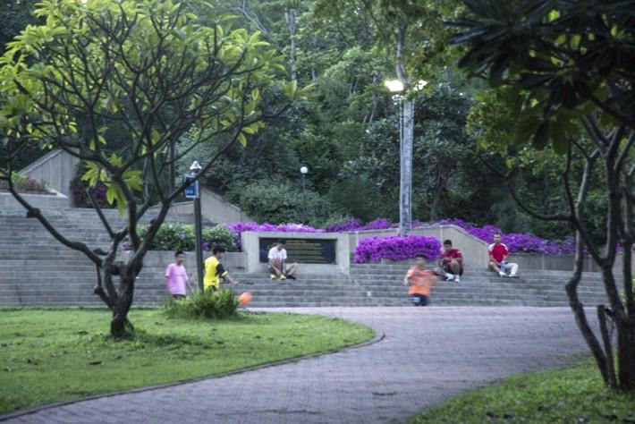 Редкий парк в ХуаХине, куда пускают прямо в шортах)