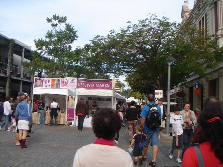 Вот такие рынки приобретают все большую популярность среди туристов, поэтому цены здесь подрастают к туристическому сезону