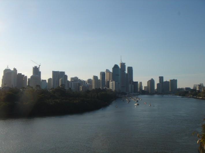 Вид на центральный район города и реку - главную артерию Брисбана