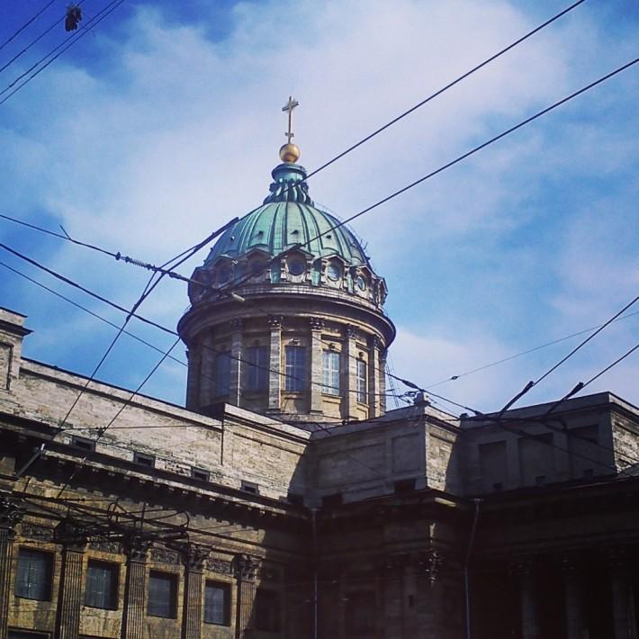 Исторический центр города действительно впечатляет монументальной архитектурой, и заставляет задирать голову, разглядывая все вокруг