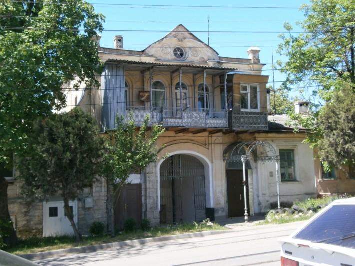 Старый и очень живописный жилой фонд