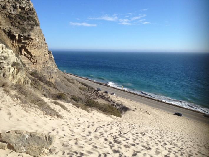 Вид на трассу Пасифик Коуст и побережье Тихого океана
