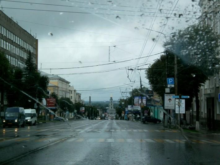В Туле +14 и дождь, утро 12 июля