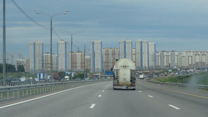 Впереди Москва, въезд с трассы Дон