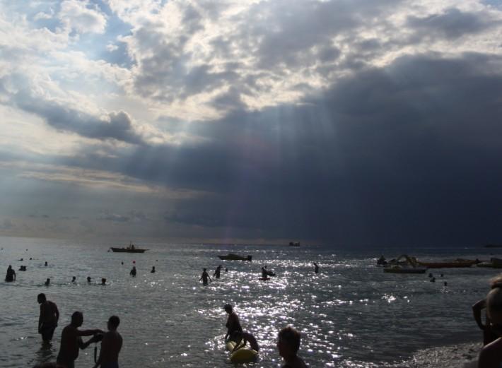 Купание в море на Кипре в октябре