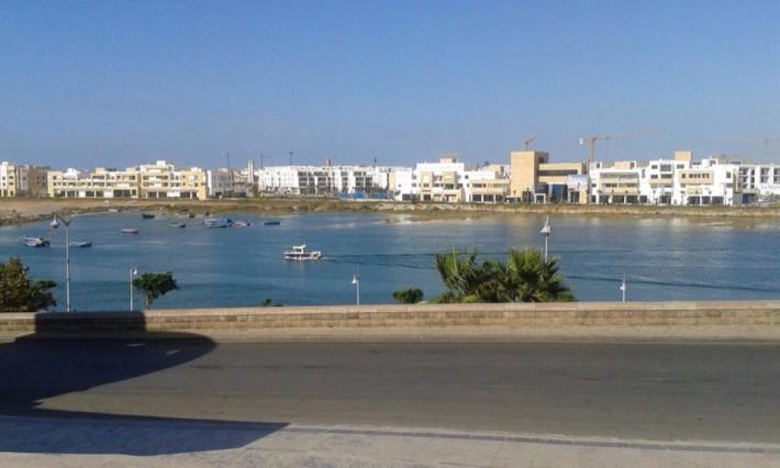 """Река """"Абу-Ракрак"""", разделяющая г. Рабат от г. Сале"""