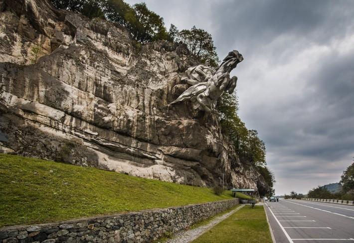 Памятник Уастырджи