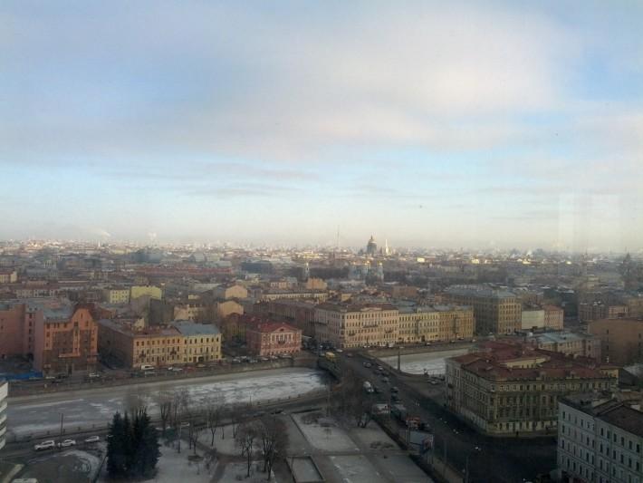 Панорама города в марте