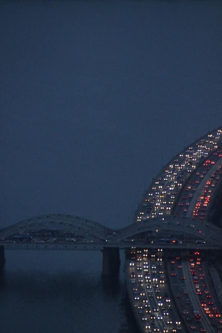 Пробка на мосту в Сеуле