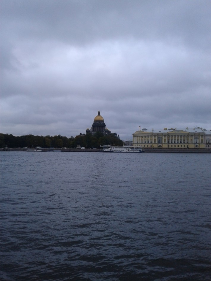 Вид с Васильевского острова на Исакиевский собор