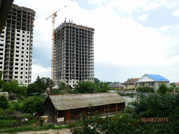 Вид из окна старой двухэтажки на ул.Пушкина
