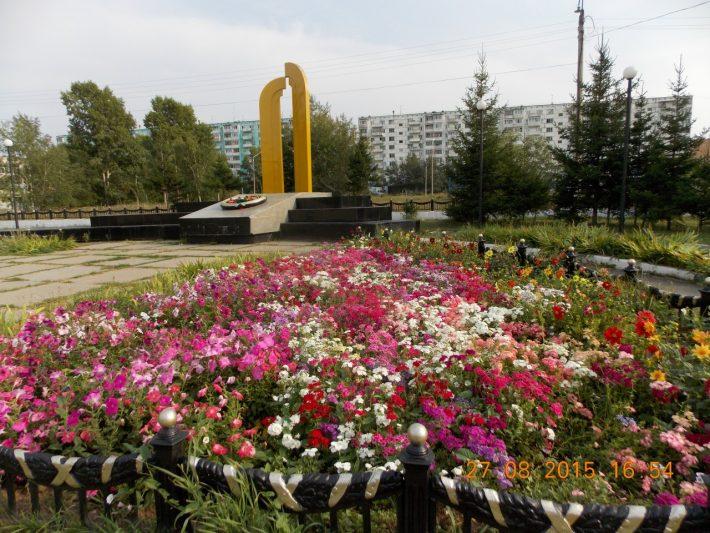Памятник героям ВОВ на бульваре Орлова, 45 квартал
