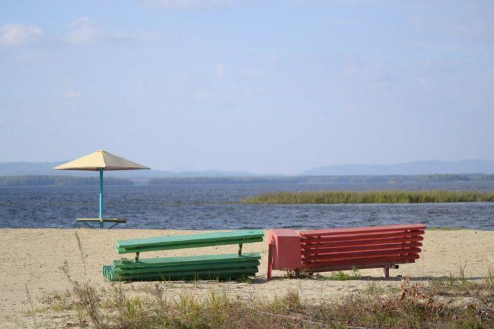 Местный пляж